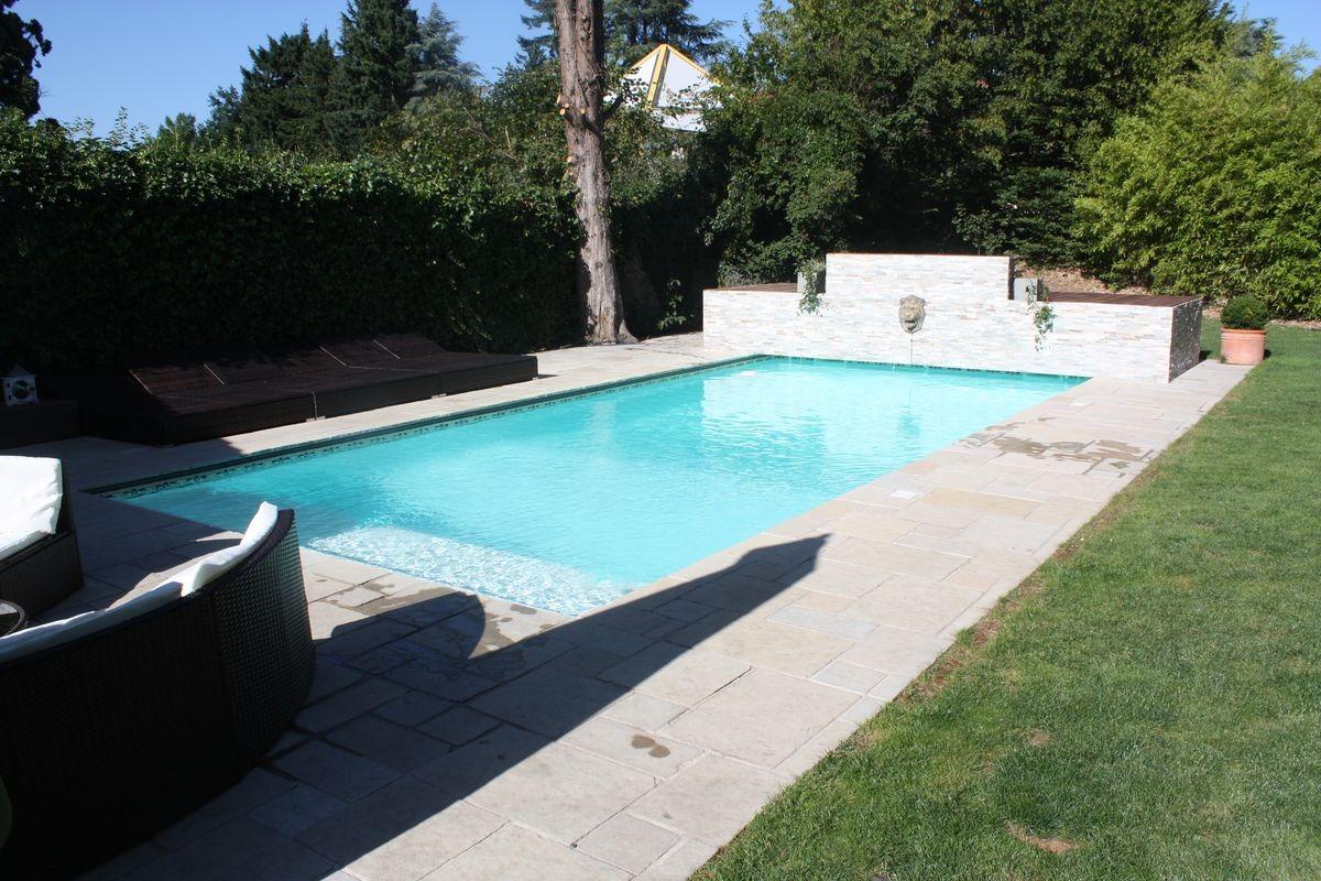 Piscine avec volet caisson for Chauffage piscine avec volet